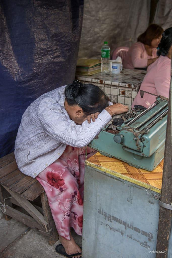 Ecrivaine publique Yangon