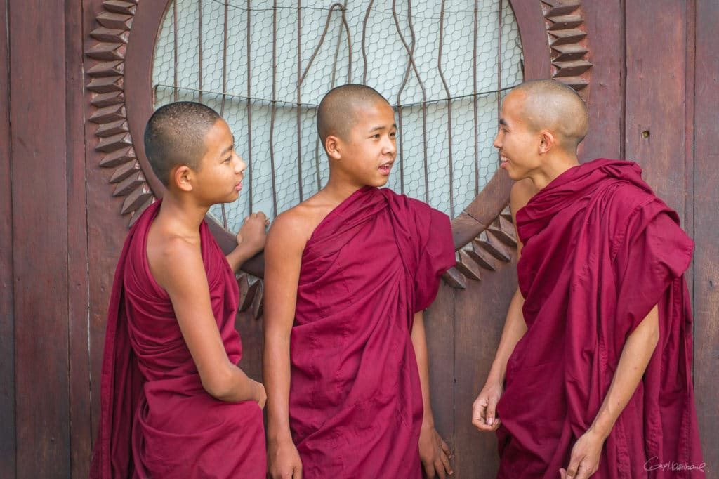 Moines de Shwe Yan Pyay monastery (région lac inle)