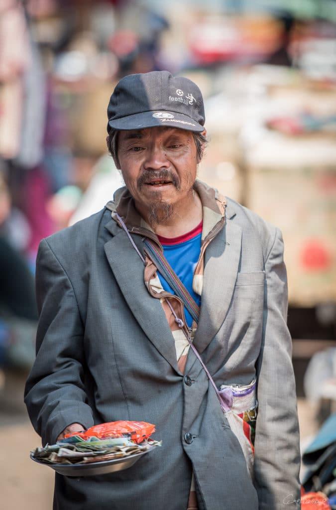 Mendiant marché de Kentung Etat Shan
